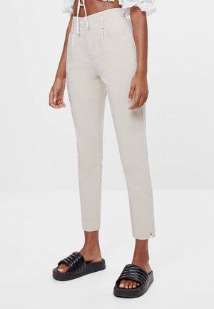 MIT BUNDFALTEN - Chino kalhoty - beige