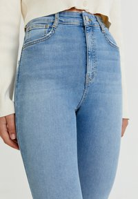 PULL&BEAR - WITH VERY HIGH WAIST - Jeans Skinny Fit - mottled light blue - 3