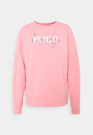 NAKIRA - Felpa - bright pink