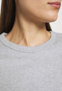 esmé studios - SIGNE - Basic T-shirt - grey melange - 5