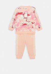 adidas Originals - CREW SET - Sweatshirt - light pink - 0
