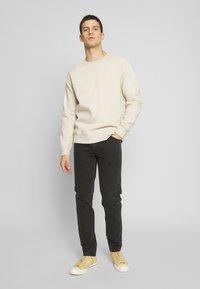 Weekday - SUNDAY - Straight leg jeans - tuned black - 1