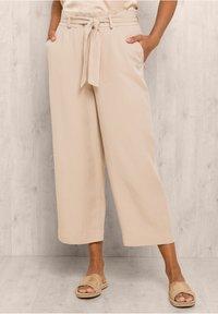 bianca - PARIGI - Trousers - sand - 0