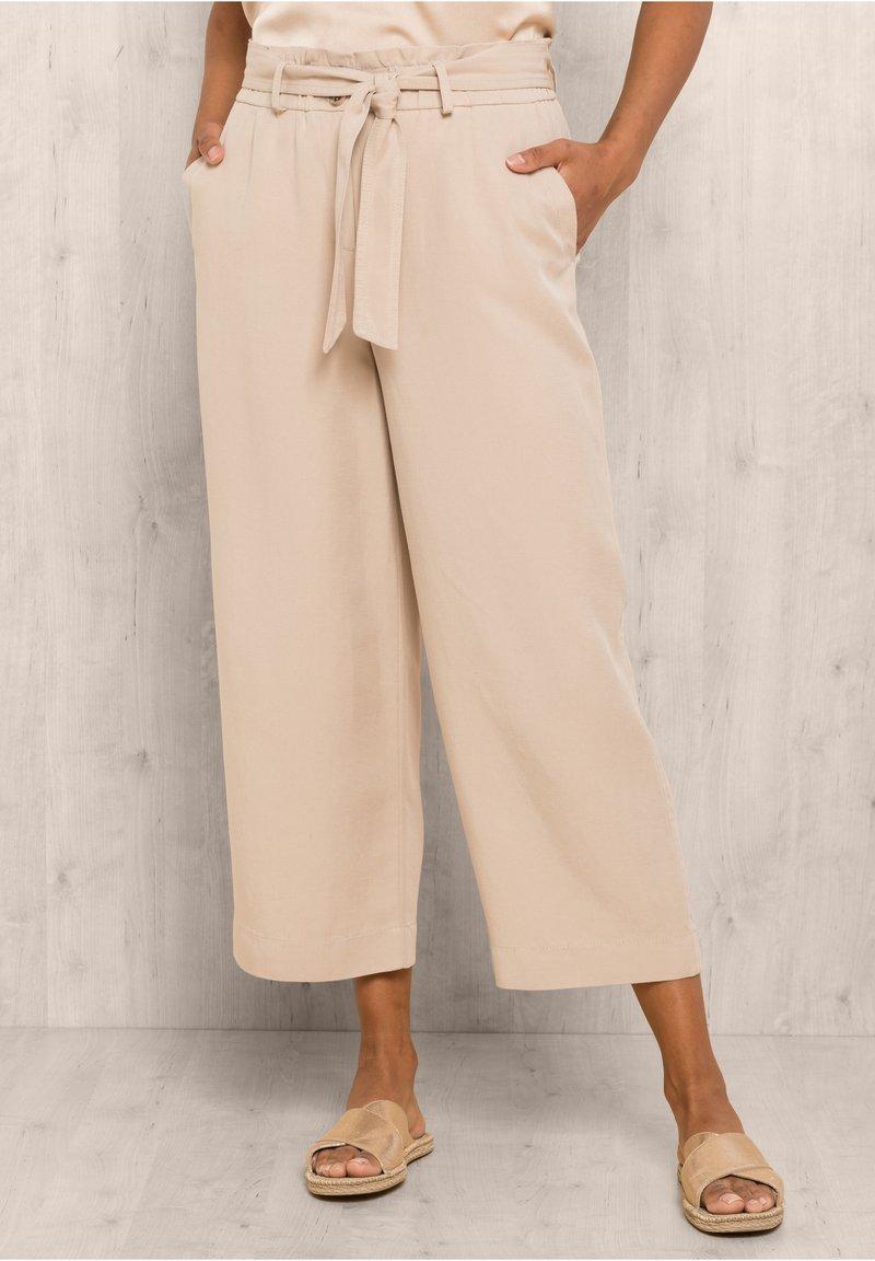 bianca - PARIGI - Trousers - sand