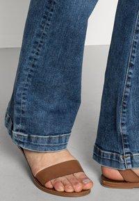 LTB - FALLON - Flared Jeans - jama wash - 4