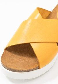 Grand Step Shoes - EMMA - Mules - sun - 2
