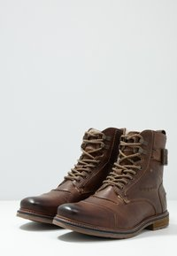 Bugatti - VANDAL - Lace-up ankle boots - dark brown - 2