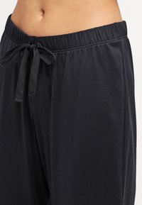 Hanro - COTTON DELUXE - Pyjama bottoms - black - 3