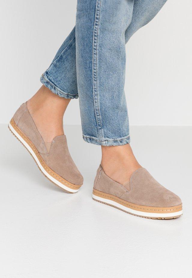 PALMA WRAP - Scarpe senza lacci - taupe