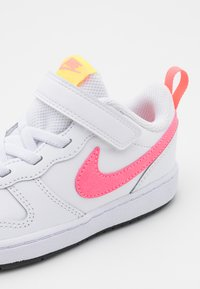 Nike Sportswear - COURT BOROUGH 2 UNISEX - Trainers - white/sunset pulse/light zitron/black - 5