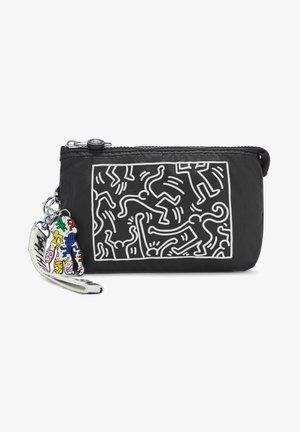 CREATIVITY XL - Wallet - keith haring chalk art