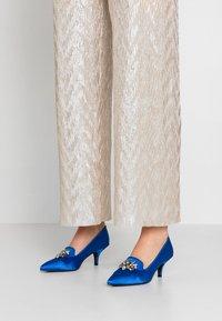 Kio - Classic heels - blue - 0