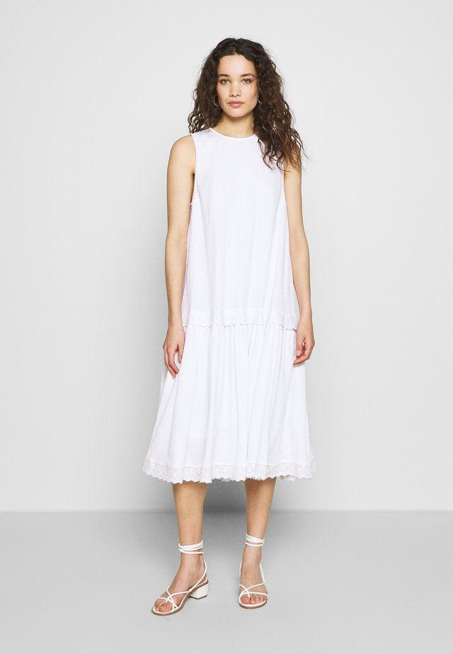 SEERSUCKER DRISELLO - Day dress - white
