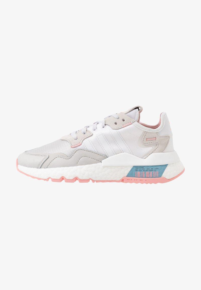 dentro de poco Heredero juego  adidas Originals NITE JOGGER - Trainers - footwear white/glow pink/grey  one/white - Zalando.de