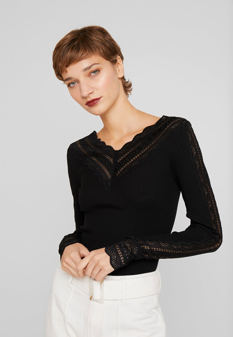 Rosemunde - SILK-MIX T-SHIRT REGULAR LS W/WIDE LACE - Topper langermet - black