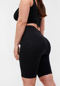 Zizzi - NAHTLOSE  - Shorts - black - 2
