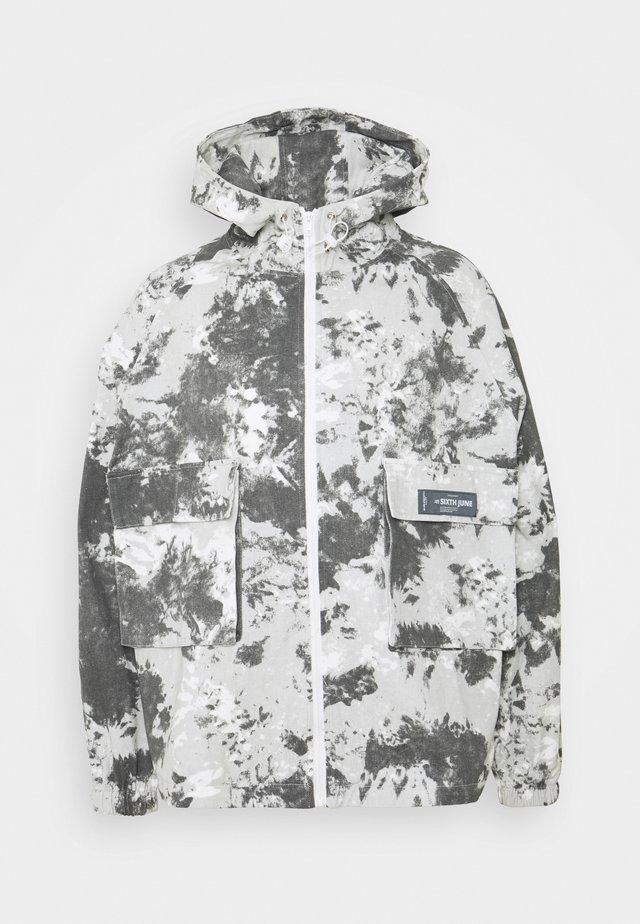 MOUTAIN  - Lehká bunda - light grey