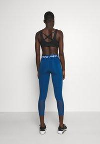 Nike Performance - CROP - Leggings - court blue/white - 2