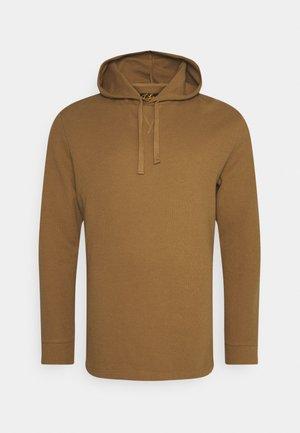 WAFFLE HOODED LONG SLEEVE - Sweatshirt - maple