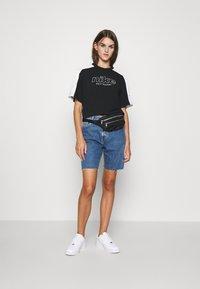 Nike Sportswear - ARCHIVE - T-shirts print - black/white - 1