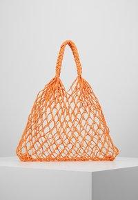 Monki - NICOLE BAG UNIQUE - Shopping bag - orange - 0