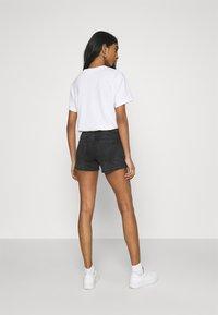 Vero Moda - VMLYDIA - Szorty jeansowe - black - 2