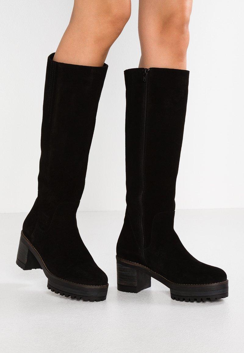 Mellow Yellow - EPONYMI - Platform boots - black