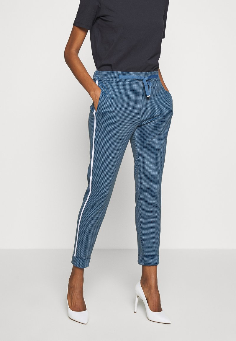 Rich & Royal - JOGG PANTS - Bukse - spring blue