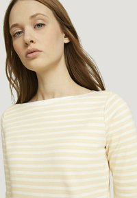 TOM TAILOR DENIM - CONTRAST NECK - Long sleeved top - white yellow stripe - 3