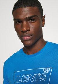 Levi's® - HOUSEMARK GRAPHIC TEE - Print T-shirt - outline bayside - 3