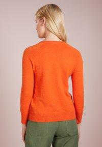 pure cashmere - CLASSIC CREW NECK  - Strikkegenser - orange - 2