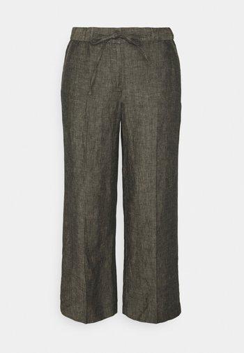 MARITTA - Spodnie materiałowe - black oliv