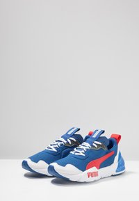 Puma - CELL PHANTOM - Zapatillas de running neutras - galaxy blue/white/high risk red - 2