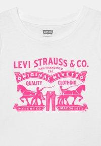 Levi's® - T-shirt con stampa - white - 2