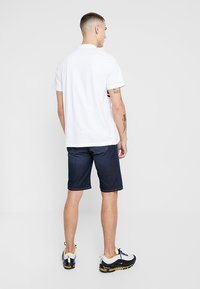 Zalando Essentials - Denim shorts - blue denim - 2