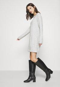 ONLY - ONLCAROL  - Jumper dress - light grey melange - 3