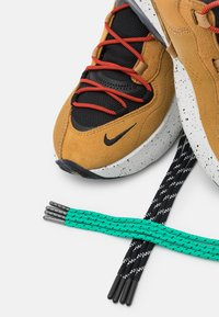 Nike Sportswear - AIR MAX VERONA 2.0 - Trainers - black/wheat/indigo burst/habanero red - 7