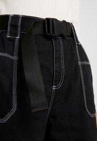 Topshop - CONTRAST GILDA UTILITY - Kalhoty - black - 6