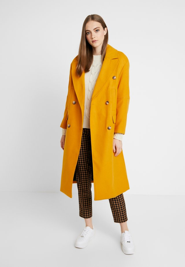 KIM - Zimní kabát - mustard