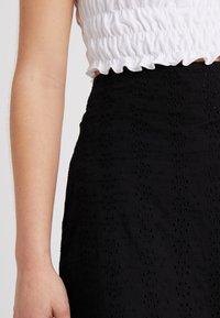 Fashion Union Petite - FASHION UNION ANGLAISE MINI SKIRT WITH FRILLED HEM - A-line skirt - black - 3