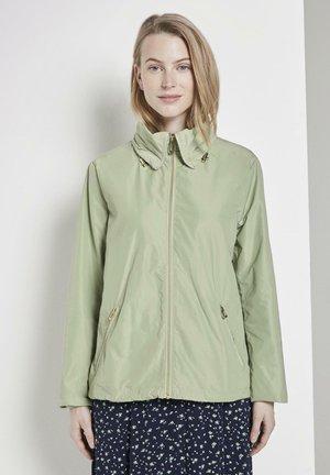 MIT ABNEHMBARER KAPUZ - Outdoor jacket - light moor green