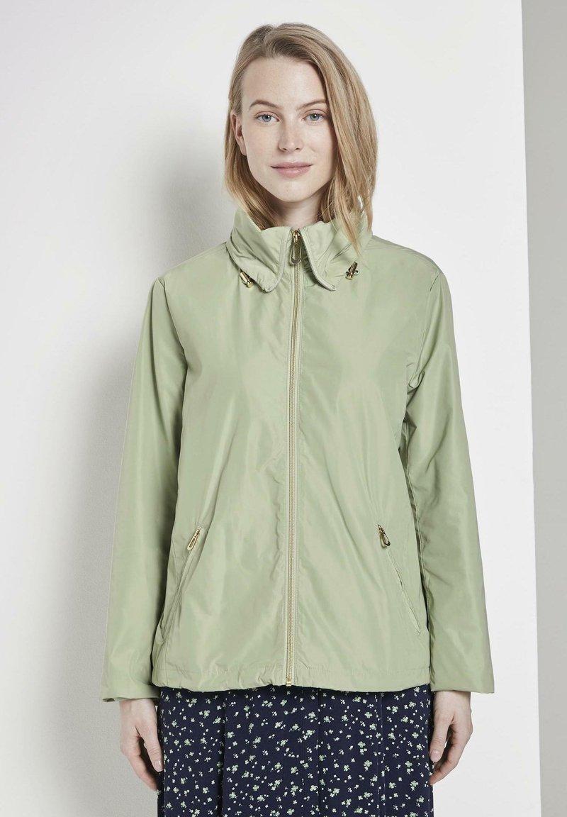 TOM TAILOR - MIT ABNEHMBARER KAPUZ - Outdoor jacket - light moor green