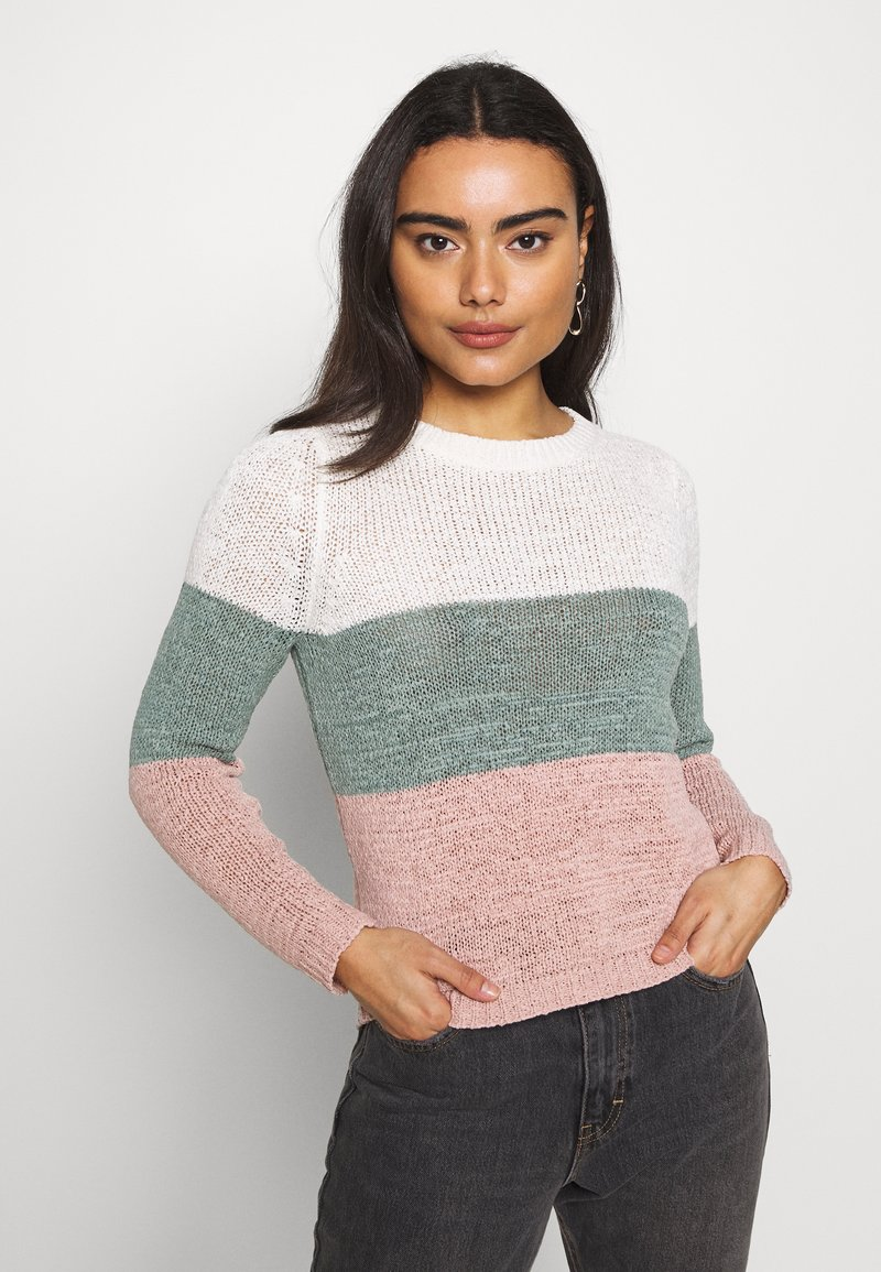 ONLY Petite - ONLGEENA BLOCK - Jumper - cloud dancer/chinois green/rose