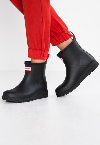 PLAY BOOT SHORT VEGAN - Wellies - Stivali di gomma - black