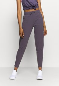Nike Performance - WARM PANT RUNWAY - Tracksuit bottoms - dark raisin/reflective silver - 0
