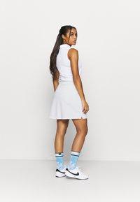 Nike Golf - DRY VICTORY SKIRT SOLID - Sportovní sukně - white - 2