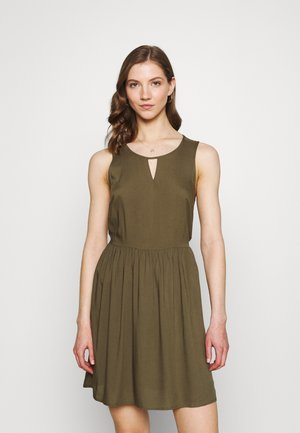 VMSIMPLY EASY SHORT DRESS - Denní šaty - ivy green