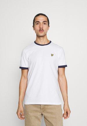 RINGER  - Basic T-shirt - white/navy