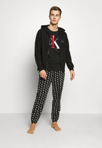 Calvin Klein Underwear - CK ONE FULL ZIP HOODIE  - Pyjama top - black - 0