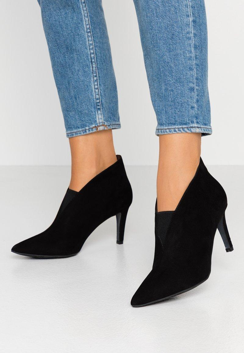 PERLATO - Højhælede støvletter - noir